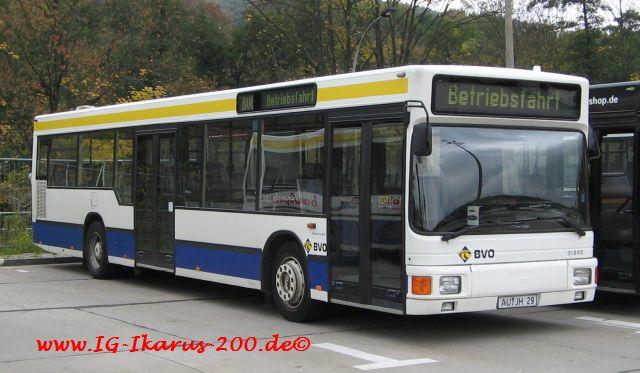 31-8100